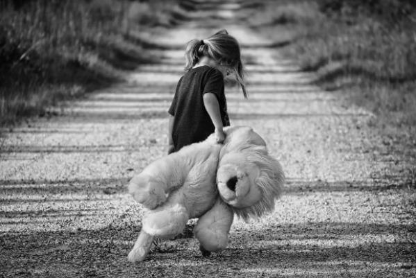 Inneres Kind Raum Saarbrücken, Saarland: Die Heilung des inneren Kindes als Teil einer Psychotherapie, Gesprächstherapie oder Hypnosetherapie, alte Muster aus der Kindheit lösen im Raum Völklingen, Saarlouis. St. Ingbert, Neunkirchen/Saar.