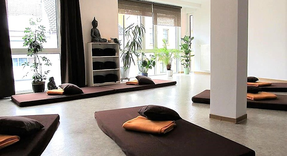 Meditation Saarland: Meditieren lernen mit Meditationslehrerin Astrid  Meditation Nähe Saarbrücken.